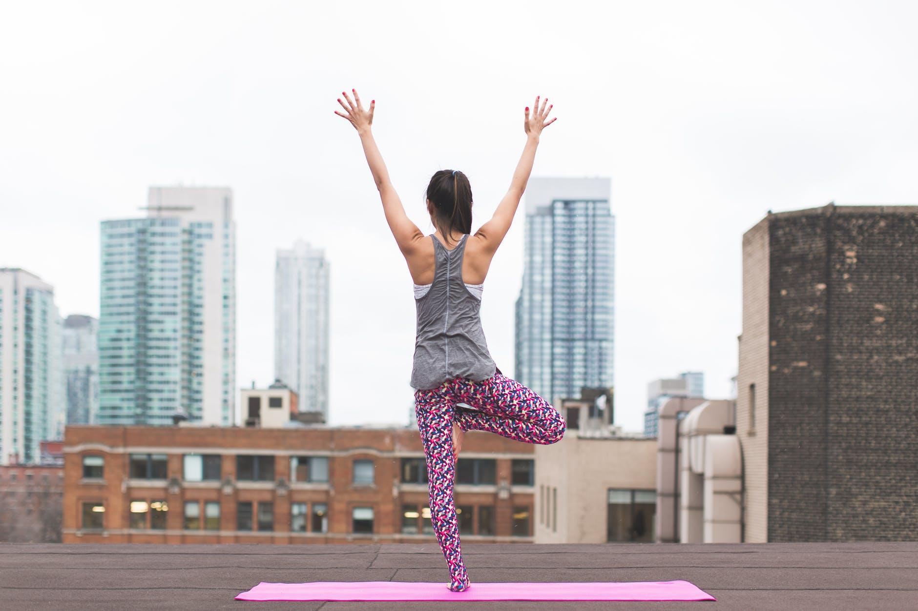 yoga sul tetto