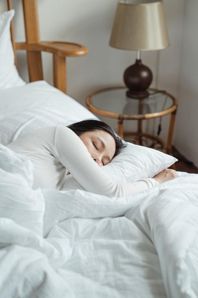 sonnambulismo dormire